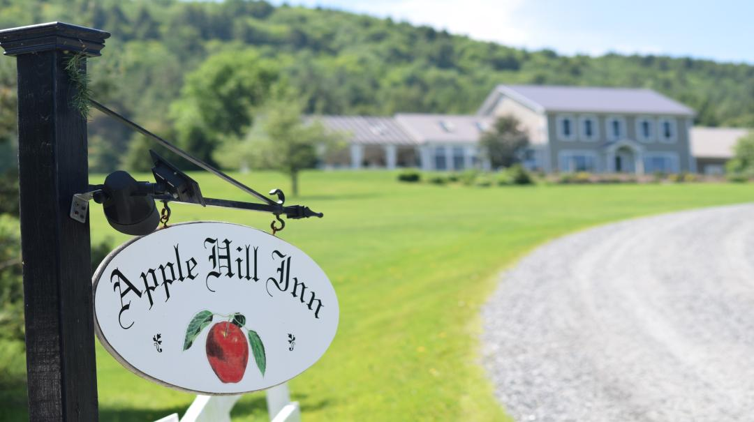 Welcome to the Apple Hill Inn