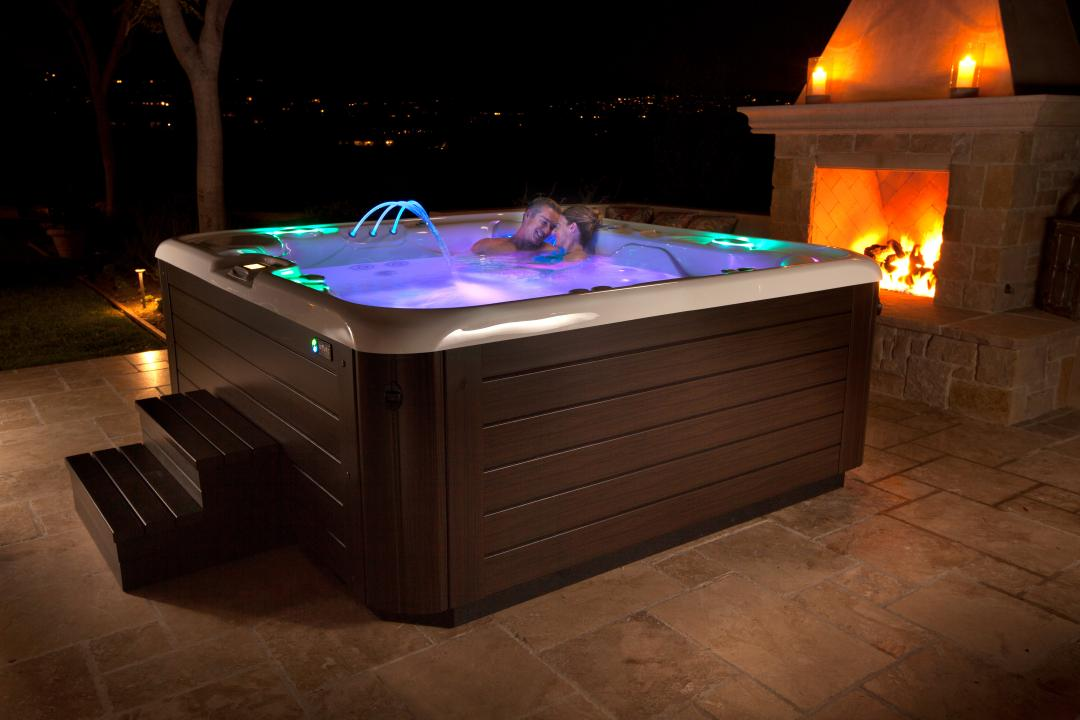 Reconnect with a Hot Tub
